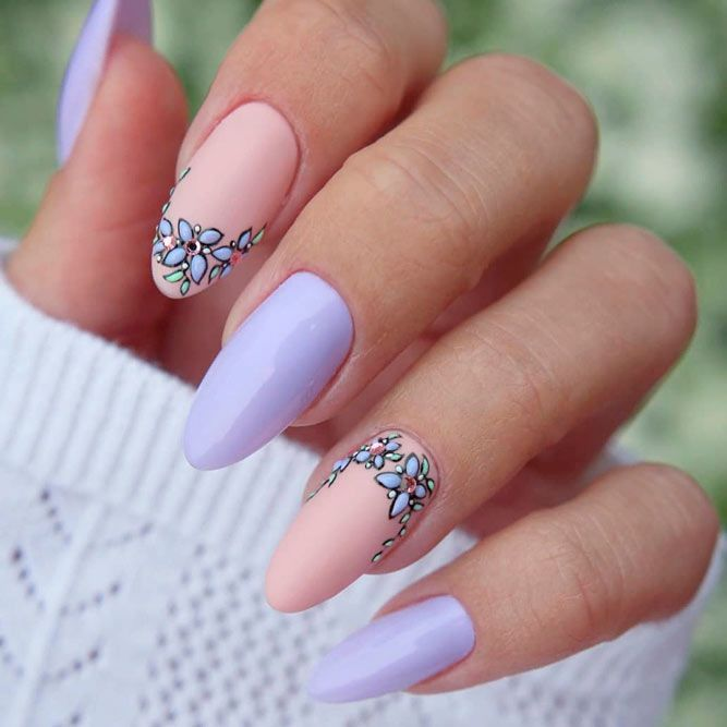 Floral French Tips #frenchnails #lilacnails