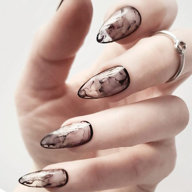 Stylish Almond Nail Shapes picture 1