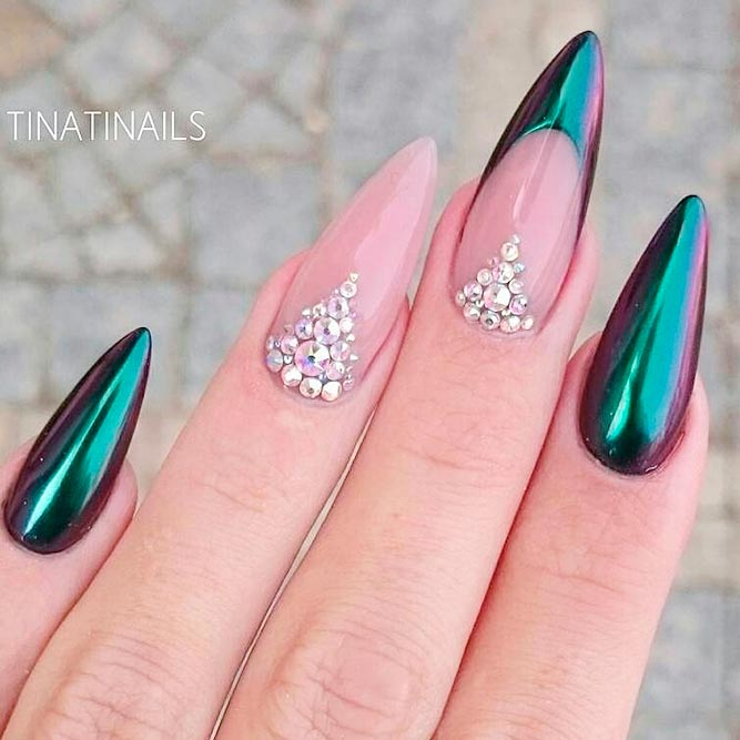 Stylish Almond Nail Shapes picture 2