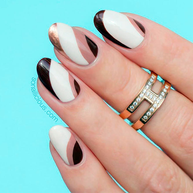 Sweety Oval Nails for Elegant Women picture 2