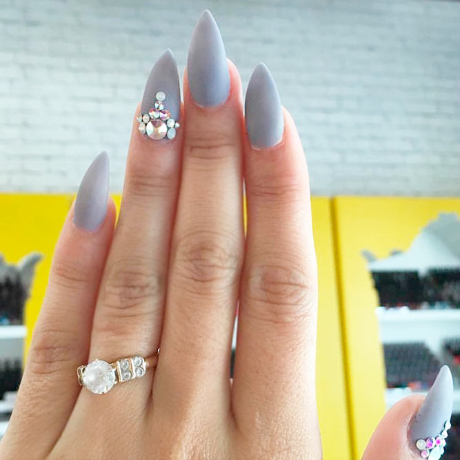 Stylish Matte Stilettos Nails picture 2