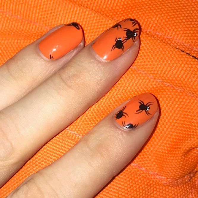 Cute Spiders Nails