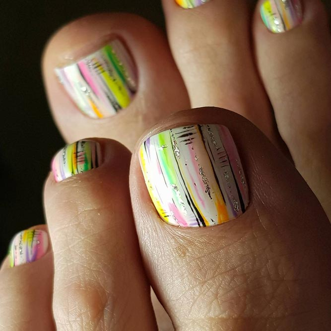 Bright Accents for Your Toes picture 2