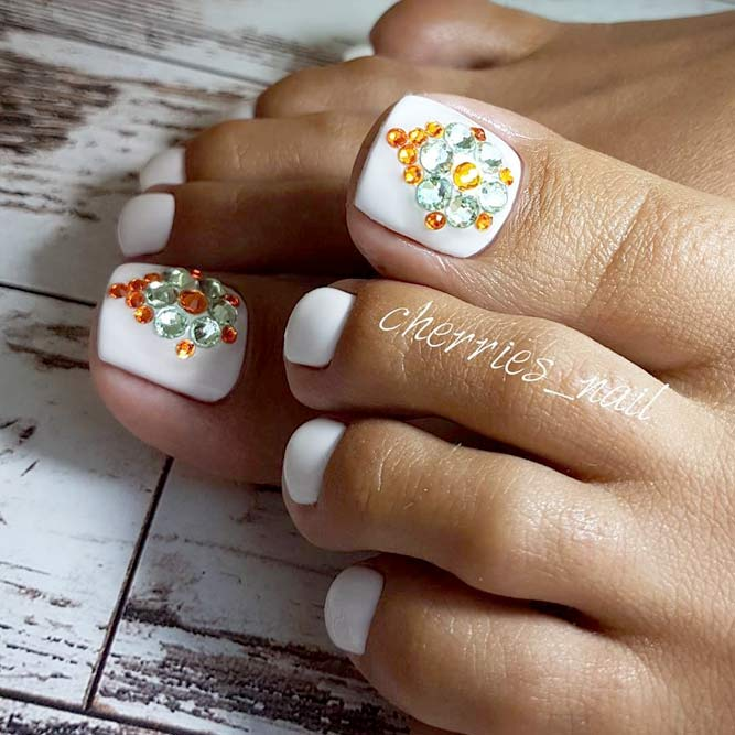 Bright Accents for Your Toes picture 1