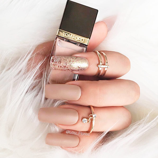 Gorgeous Nude and Gold Nails You Will Love picture 3