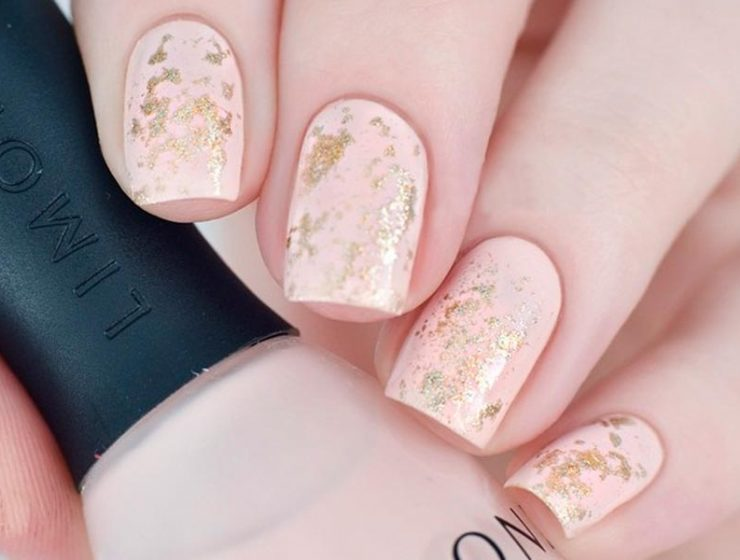 Ideas of Gorgeous Combination Nude and Gold Nails