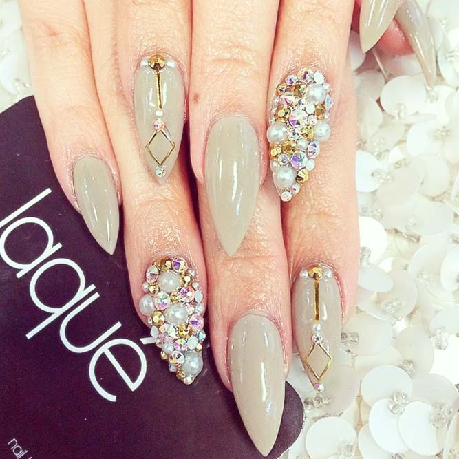 Elegant and Luxury Pointy Nail Designs picture 2