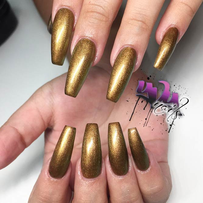 Golden Nails for Glam and Brazen Girls picture 3