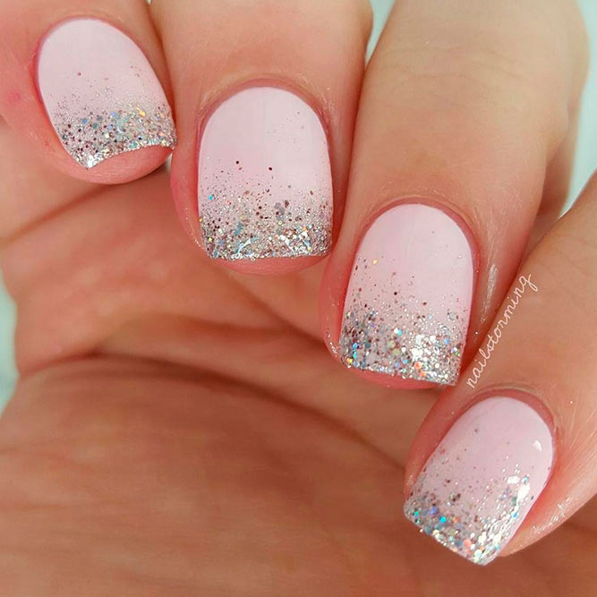 Stylish Ombre Glitter Nails picture 1