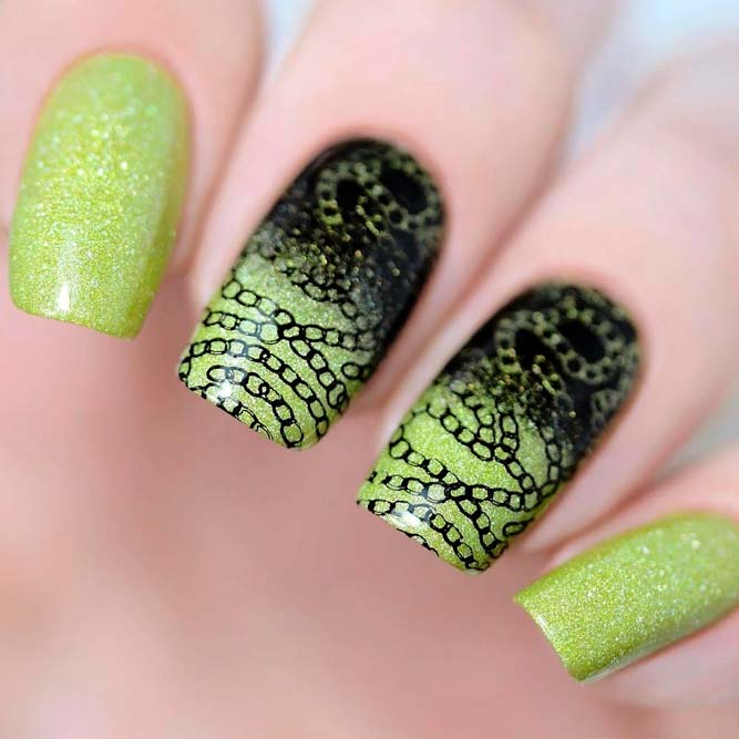 Sparkly Green Nails With Stamping #stampingnails #greennails #sparklynails