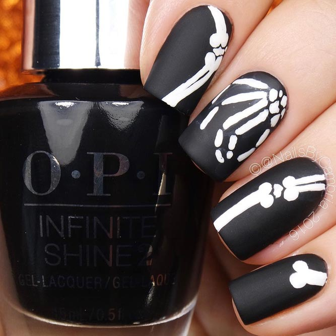 The Most Popular Halloween Nail Ideas Skulls and Bones picture 3