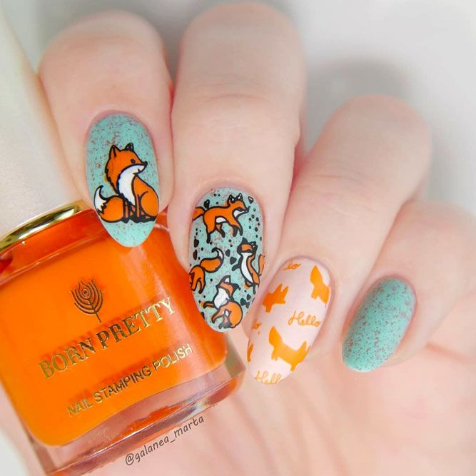 Autumn Mani With Stamping Design