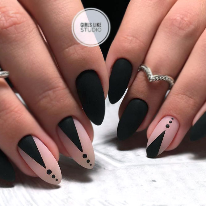 Minimalistic Black Matte Design Nails