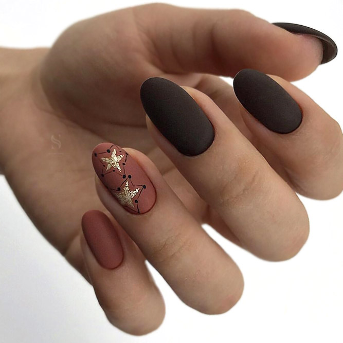 Two-Tone Brown Nails With Starry Design