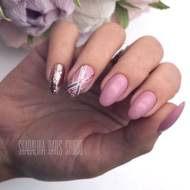 Trendy And Stylish Minimalistic Glitter Designs