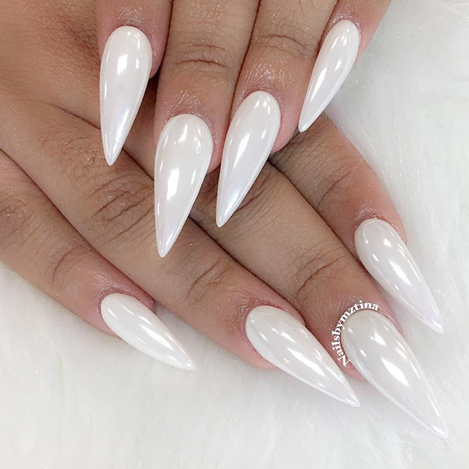 Best Ideas for White Stiletto Nails picture 1