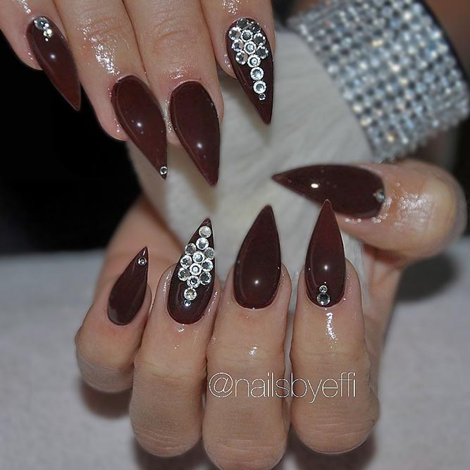 Chic and Stylish Pointed Nail Designs picture 3