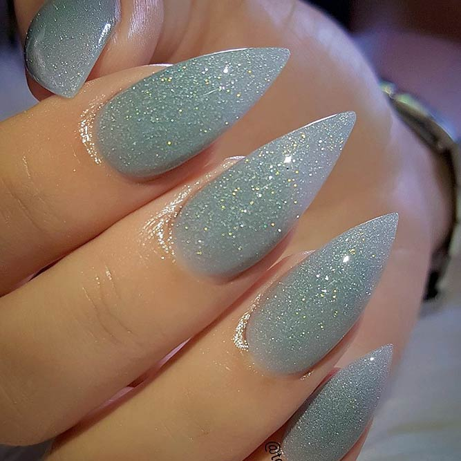 Sparkling Nail designs for a Luxurious Look picture 3