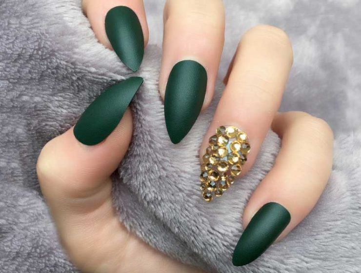 Fantabulous Pointed Nail Designs to Finish Your Fall Look