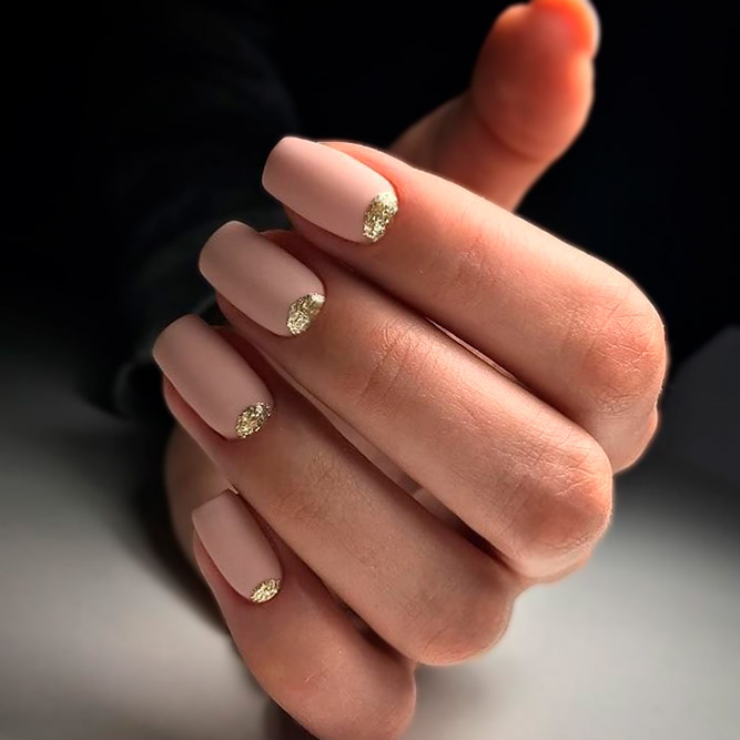 Gorgeous Nude and Gold Nails picture 1