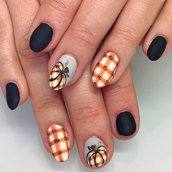 Thanksgiving Nails Designs With Pumpkins