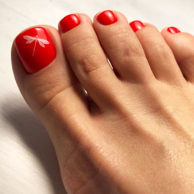 Classic Pedicures In Red Hues