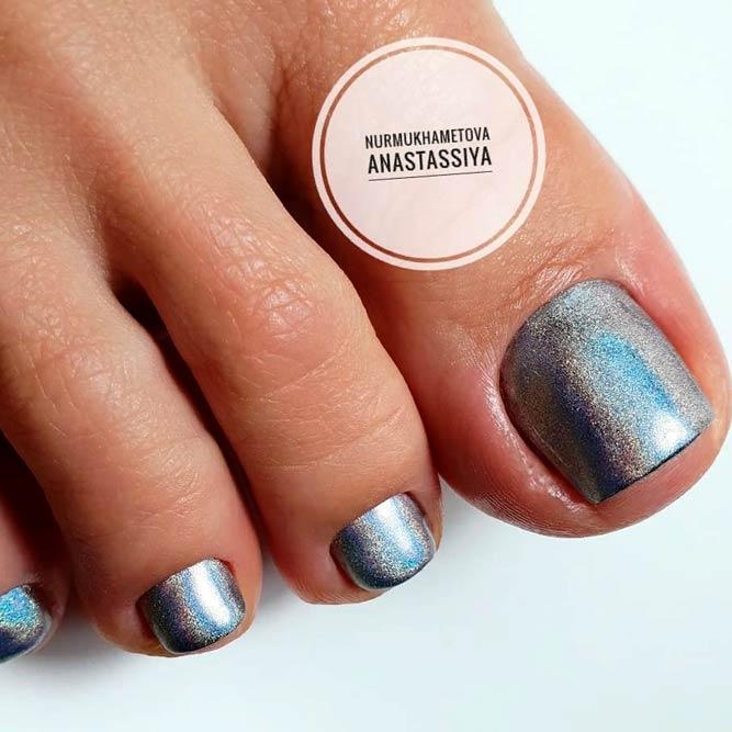 Holographic Toe Nail Design #holonails #trendytoenails