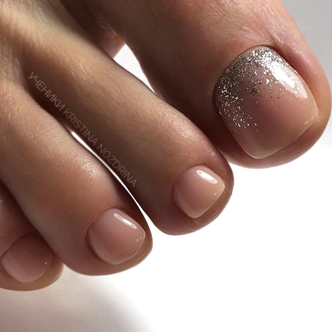 Elegant Toe Nails In Nude Colors