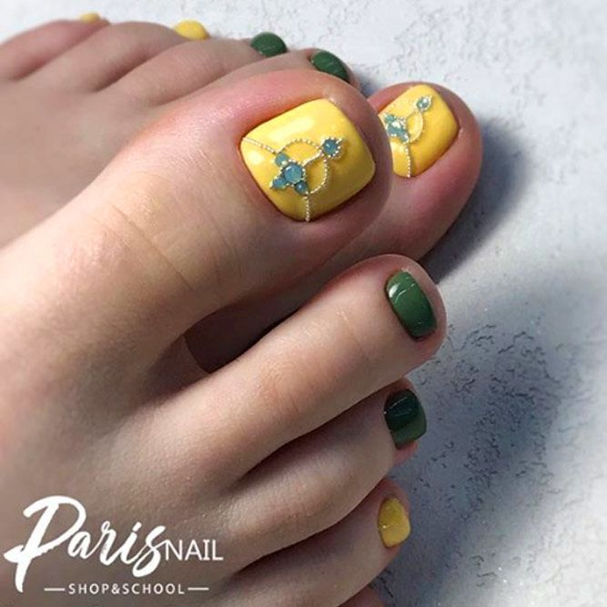 Yellow and Olive Shades For Toes