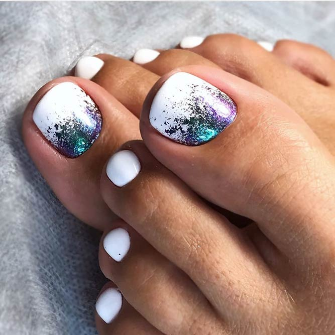 Chic Toe Nails In Pure White Color