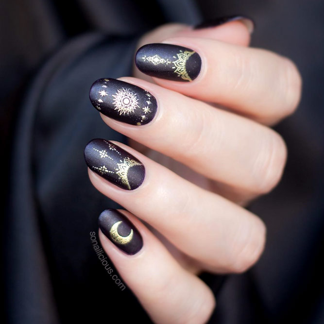 Black Nails With Gold Stamping