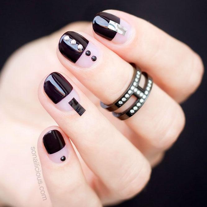 Modern Vibe Black Nails