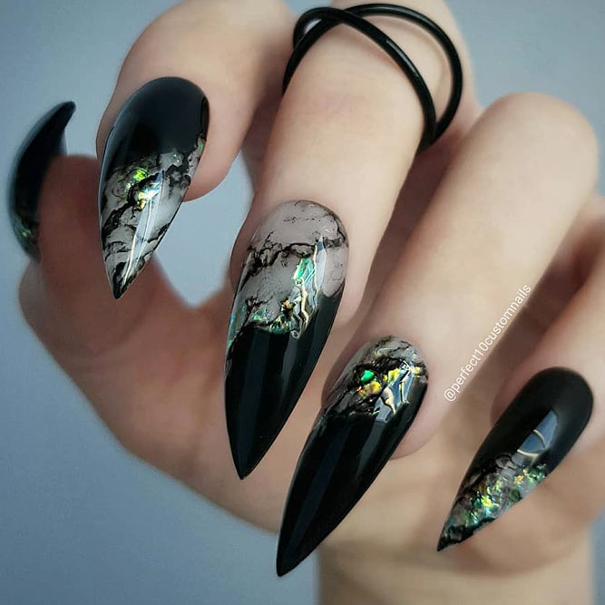 Magnetic Combination Of Black And Green Shades For Stoned Nail Design #stonenails #pointednails