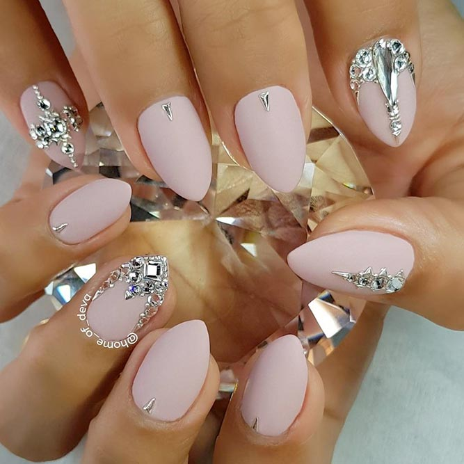 Elegant Ideas for Light Pink Nails picture 3