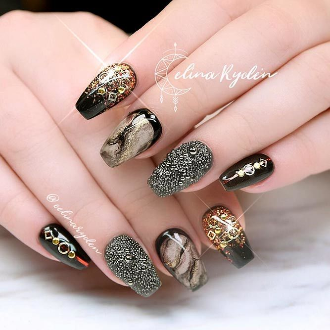 Magnetic Black Nails With Gold Accents