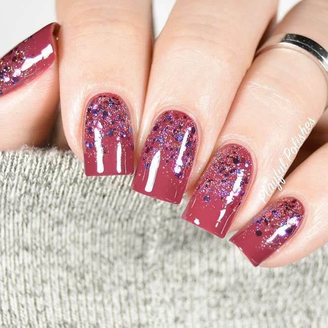 Sparkly Glitter Winter Nails picture 3