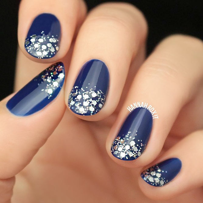 Sparkly Glitter Winter Nails picture 1