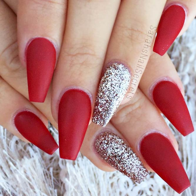 27 coffin nail designs youll want to wear right now matte coffin nails with dazzling glitter accents picture 2 prinsesfo Gallery