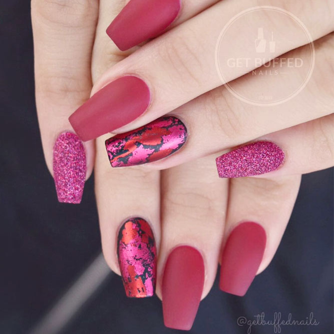 Glamorous Foil Nails picture 3