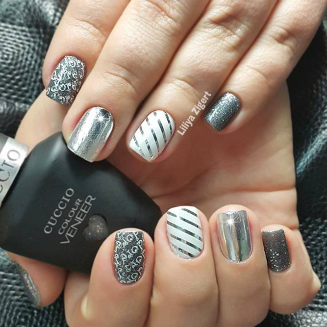 Cool and Simple Striped Nail Design picture 3 - Create Your Holiday Mood With Our Ideas For New Years Nails