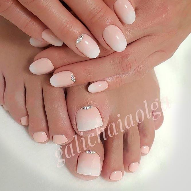 Soft French Fade Nail Design #ombrenails #frenchfadenails #nudenails