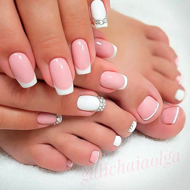 Elegant French Nails With Rhinestones #frenchnails #rhinestonenails