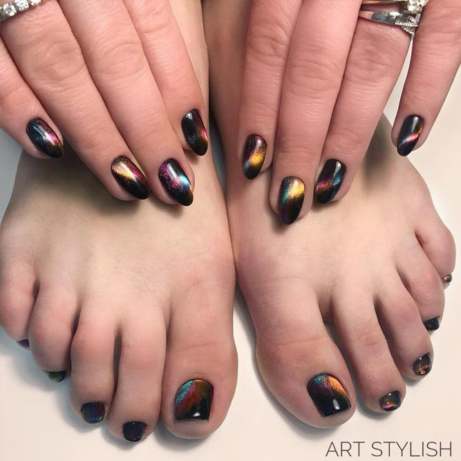 Toe Designs With Shiny Accents picture 1
