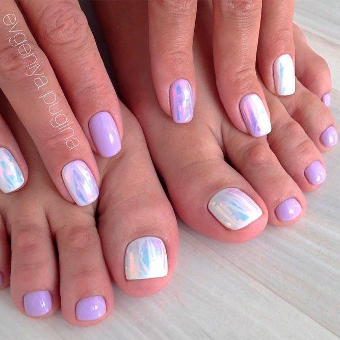 Shiny Foil Nail art #palenails #foilnails