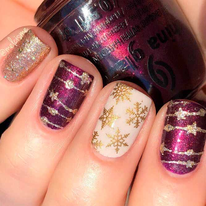 Gold Glitter Holiday Star Garland #glitternails #winternails