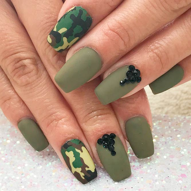 Cool Ideas For Short Camo Nails picture 1