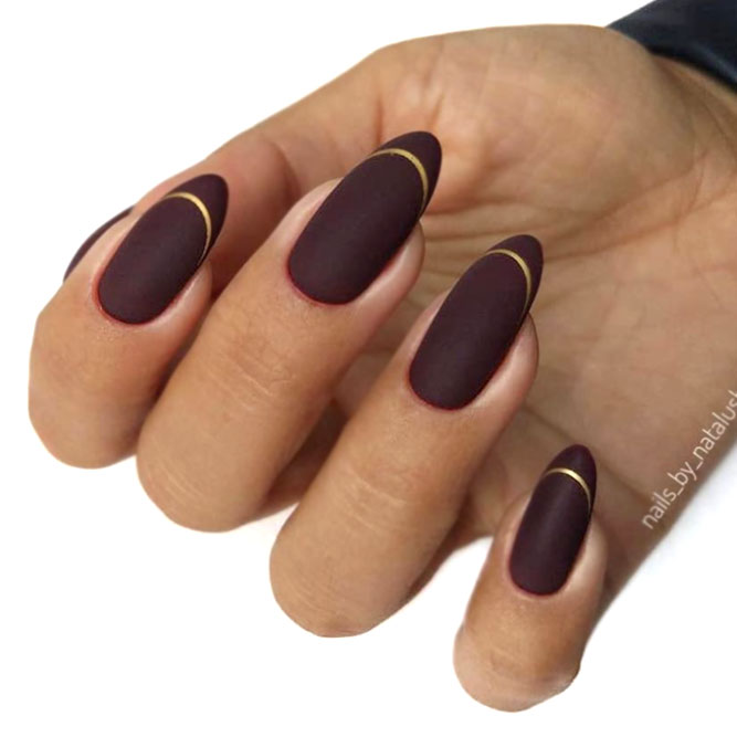 Elegant Dark Mani With Gold Accent