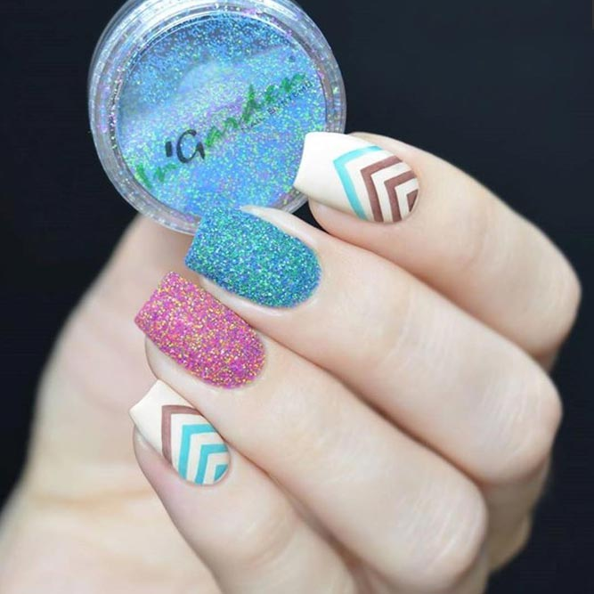 Charming Loose Glitter Nail Art picture 1