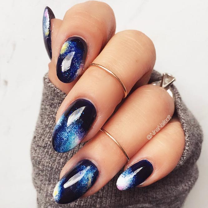 Hypnotic Galaxy Nail Art picture 2