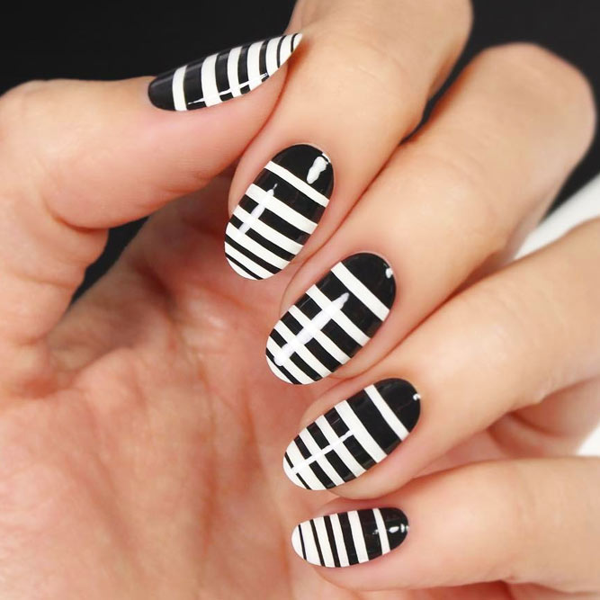 Easy Nail Art Designs Using Stripes picture 2